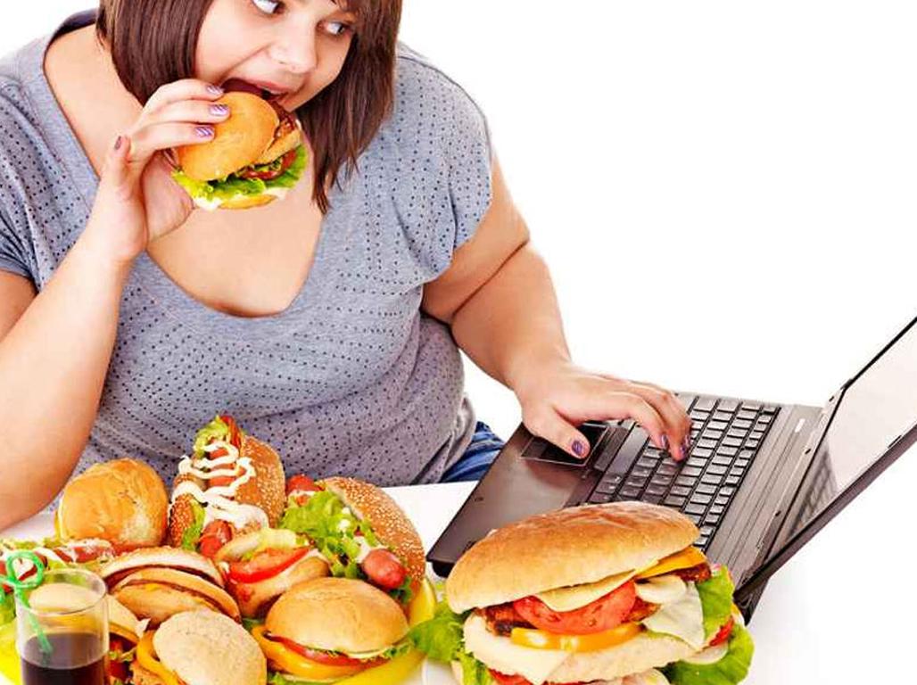 ¿Sabías que comer deprisa es perjudicial para la salud?